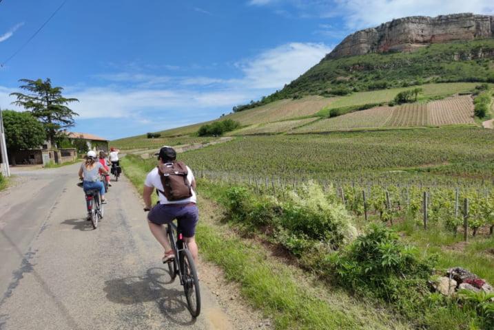 Tourisme dans les vignes en vélo électrique